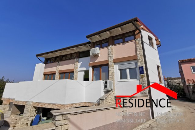 Pomer, house with apartment, sea view