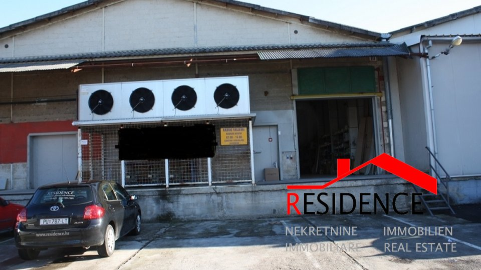 Commercial Property, 1050 m2, For Sale, Pula - Šijana