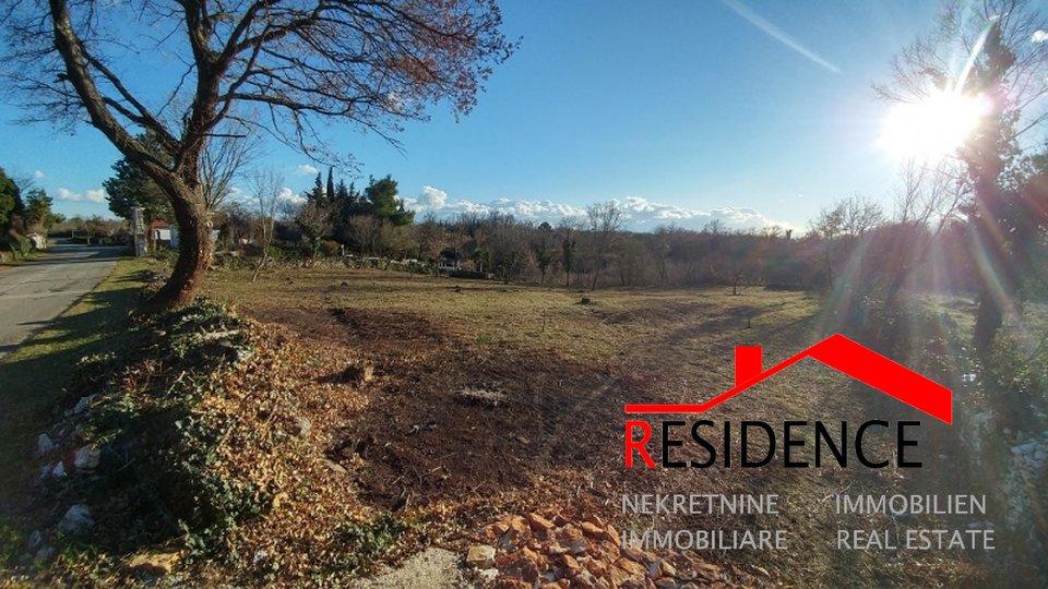 Zemljišče, 2057 m2, Prodaja, Marčana