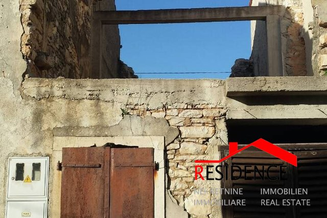 Manjadvorci, old Istrian stone house for complete renovation