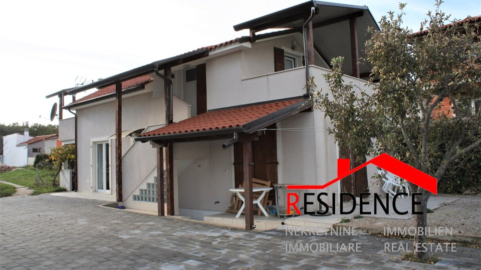 Banjole, detached house with 2 apartments, sea view